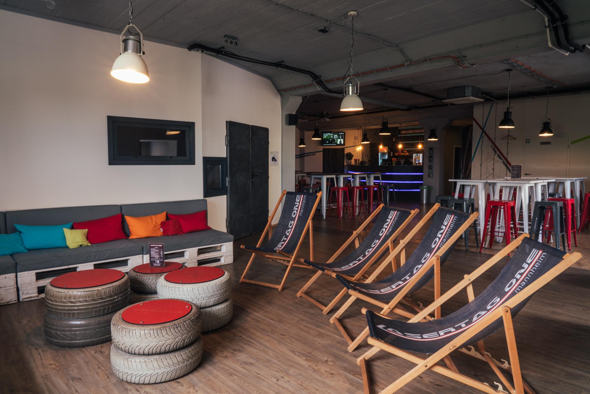 Die Lounge von Lasertag One in Mannheim